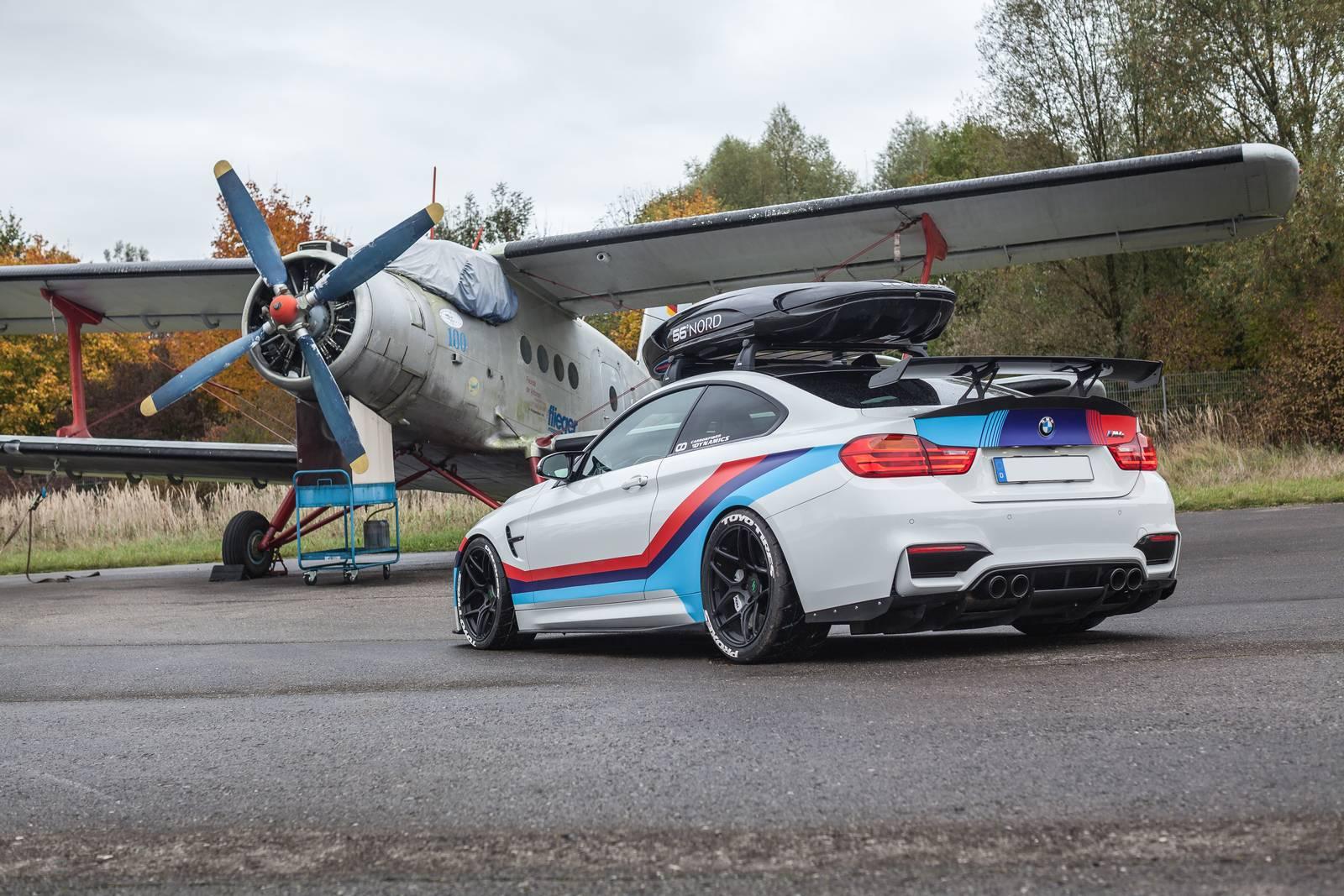 BMW-M4-R-3